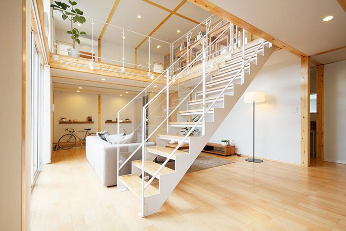 無印 木の家 階段 スケルトン リビング
