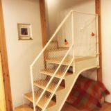 木の家のらせん階段