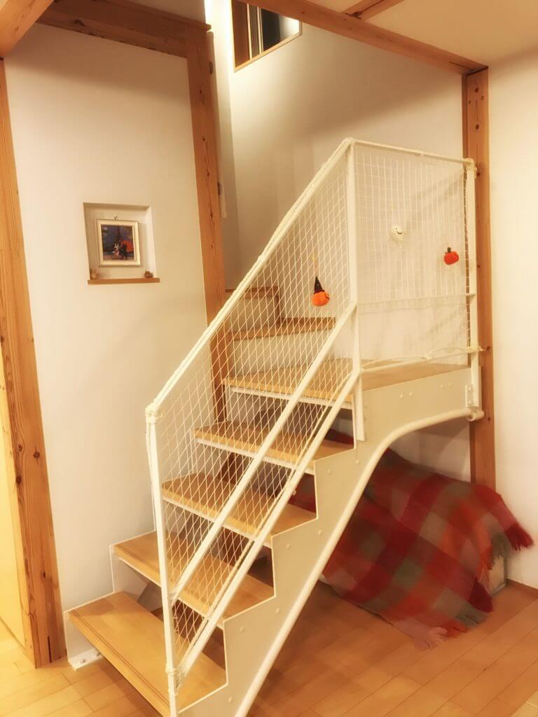 無印 木の家 階段 スケルトン リビング らせん階段