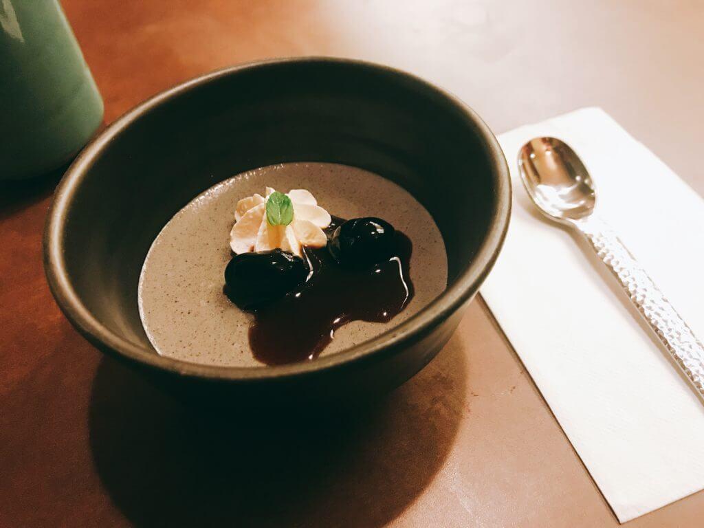 赤沢温泉ホテルの夕食:ご飯(赤だし、京漬物、魚介漬け)