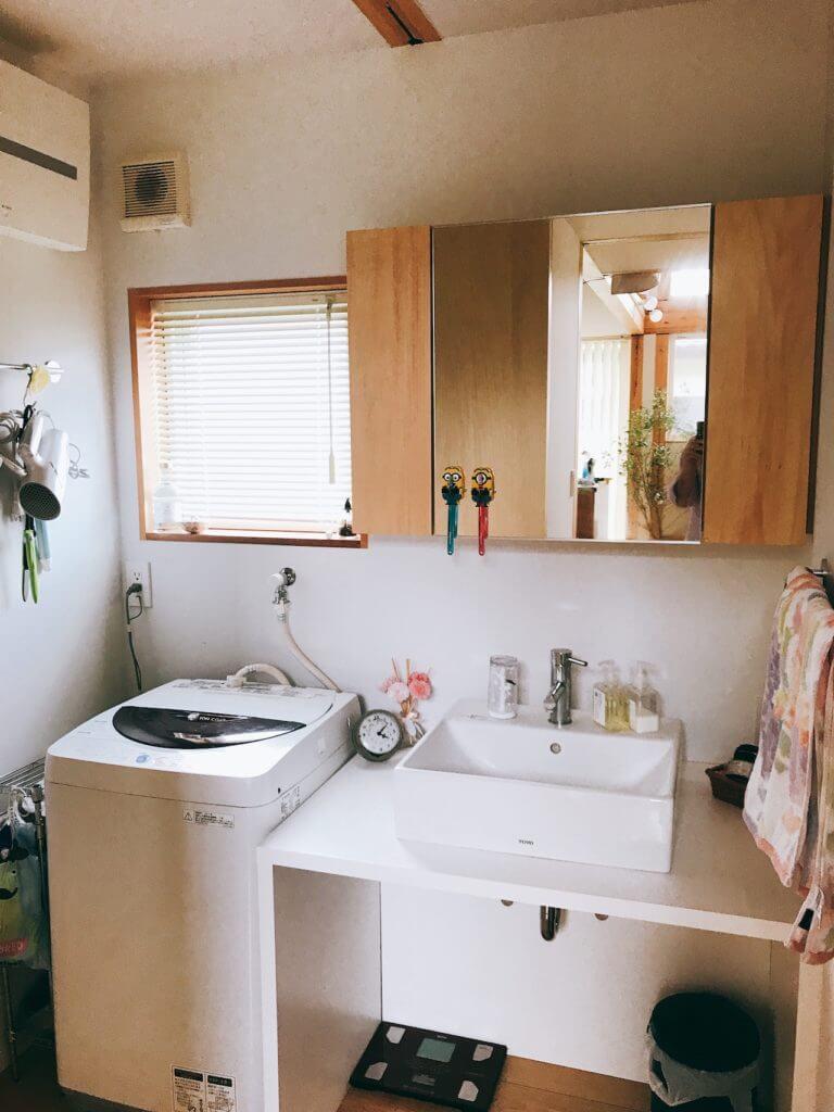 無印良品の木の家の洗面所