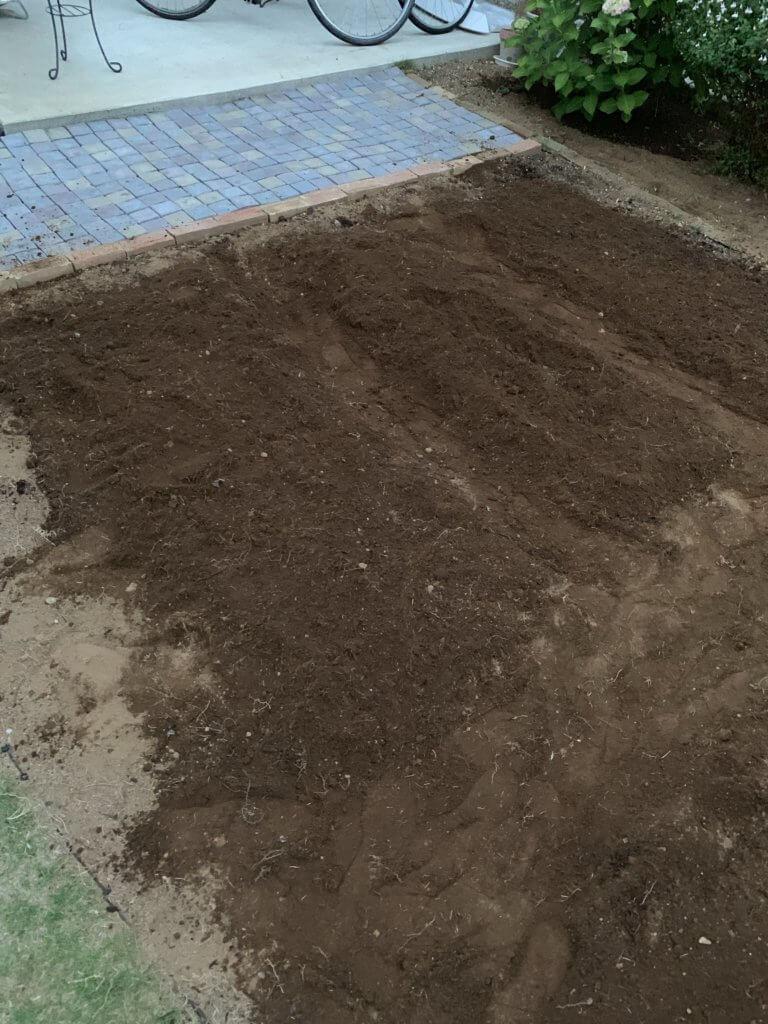 家庭菜園スペースの畝
