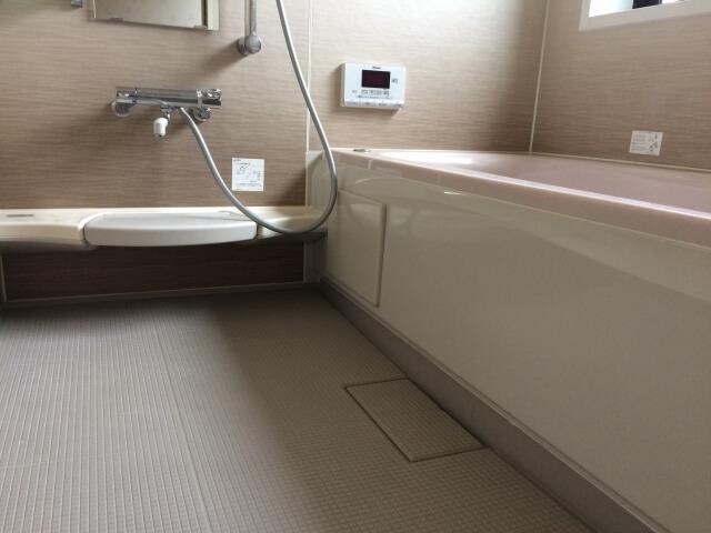 お風呂場の床の掃除