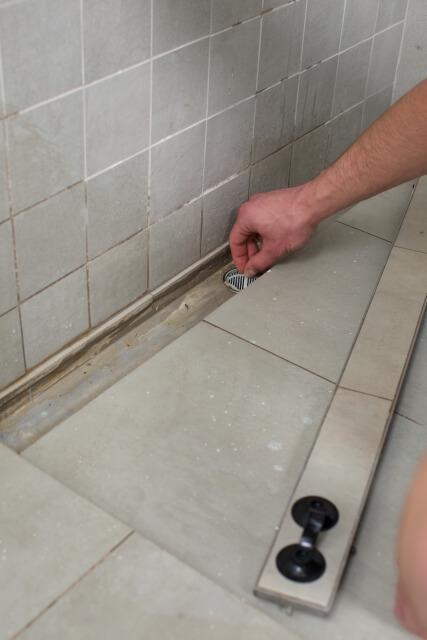 お風呂場の排水溝の汚れ
