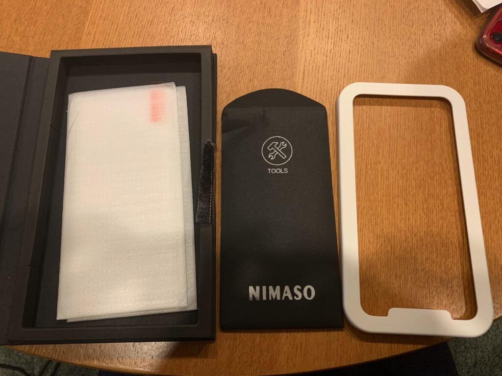 貼り付けに失敗しないiPhoneのガラスフィルの道具