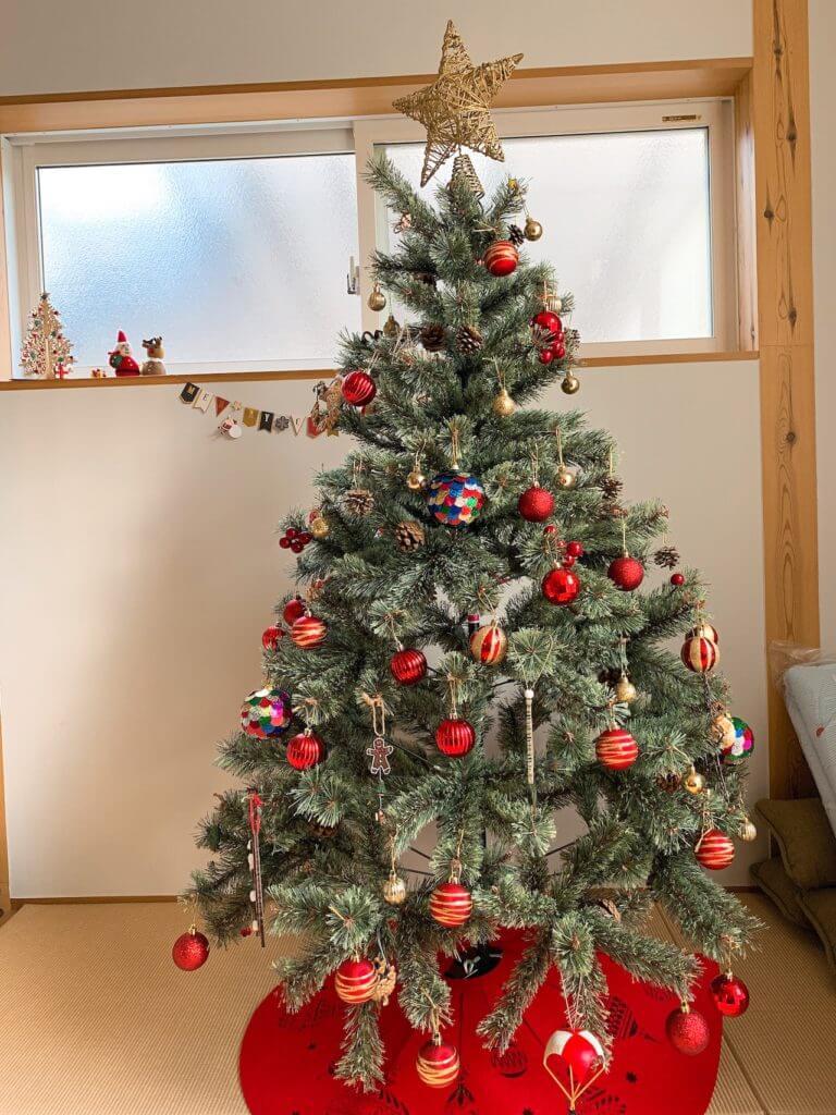 無印良品の木の家のシンプルで上品なクリスマスツリー