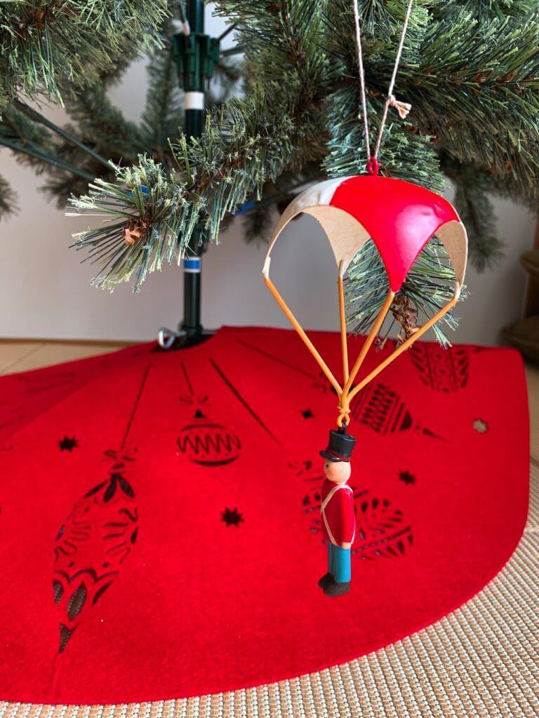 無印良品の木の家のクリスマスツリーの飾り