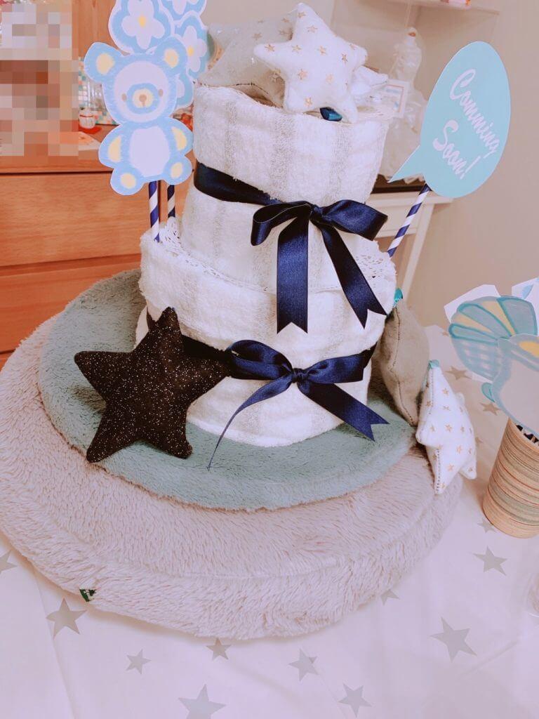 手作りのおむつケーキ