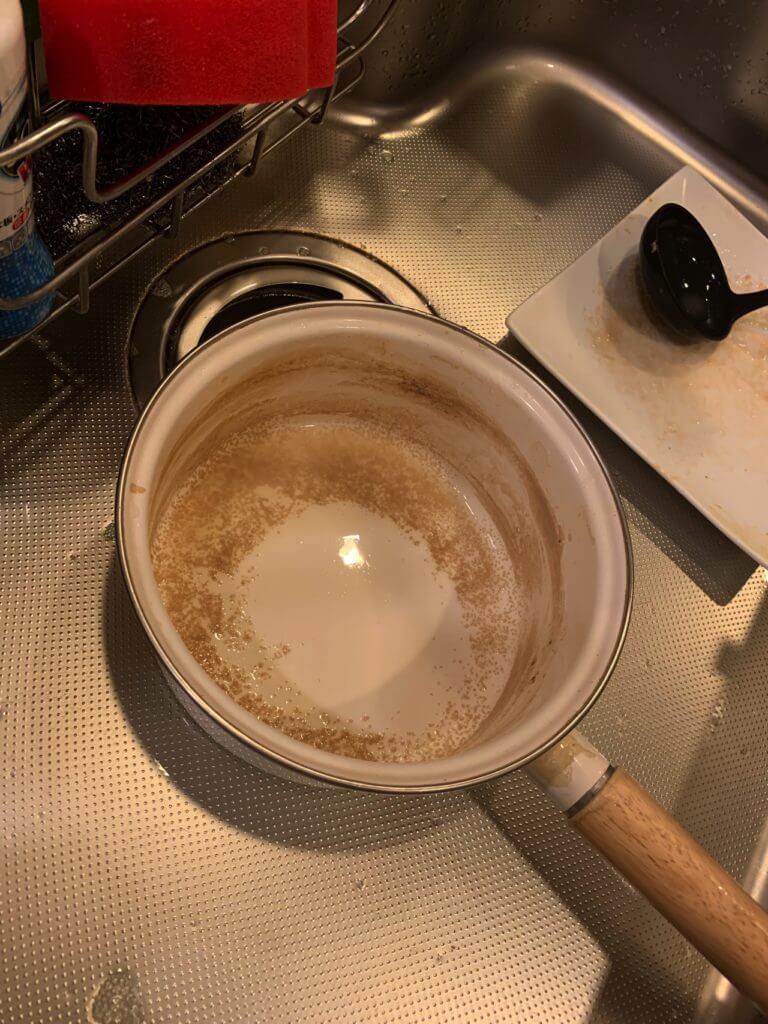 ミルクティーを作ったお鍋の汚れ