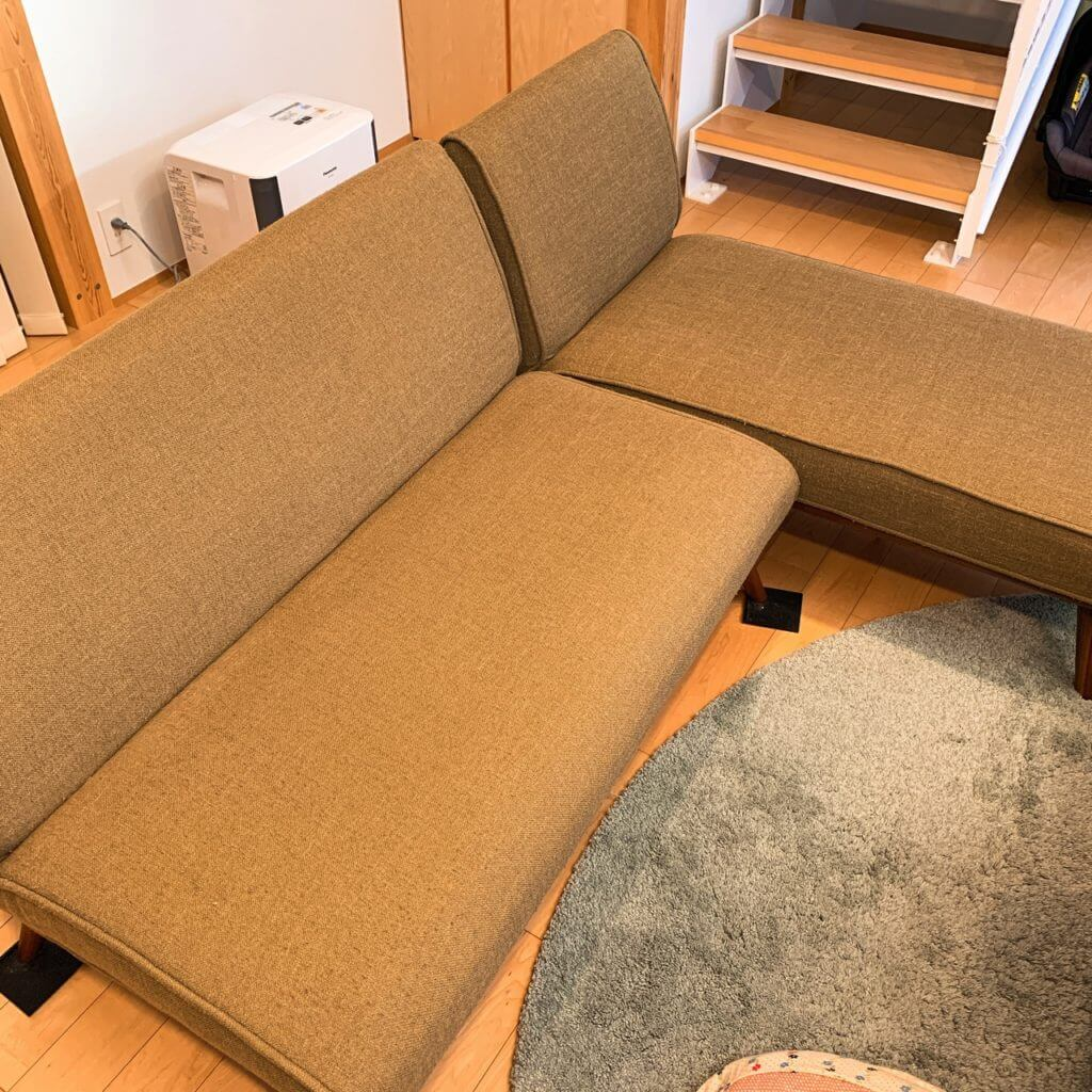 無印良品の木の家のウニコのソファー