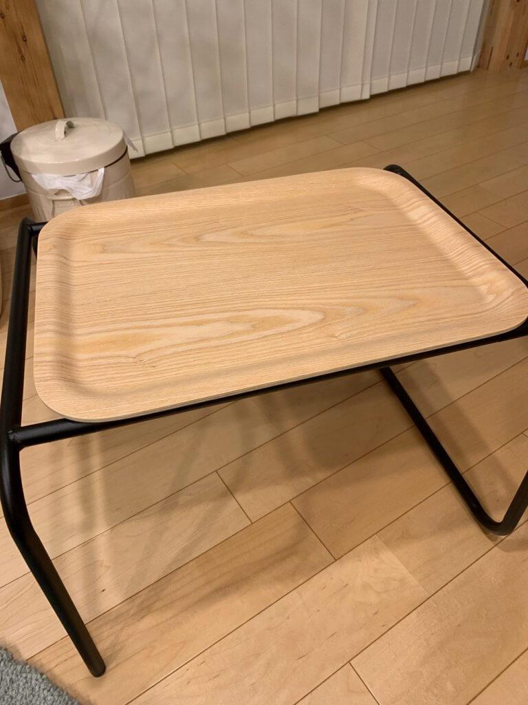 無印良品のベッドサイドテーブルを横に使った場合