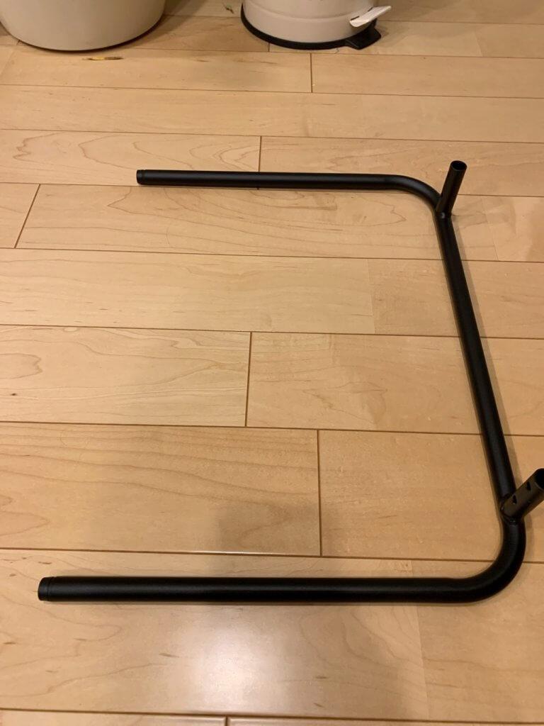 無印良品のベッドサイドテーブルの足の部分