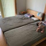 無印良品のスモールサイズのベッドとダブルサイズのベッドを合わせたところ