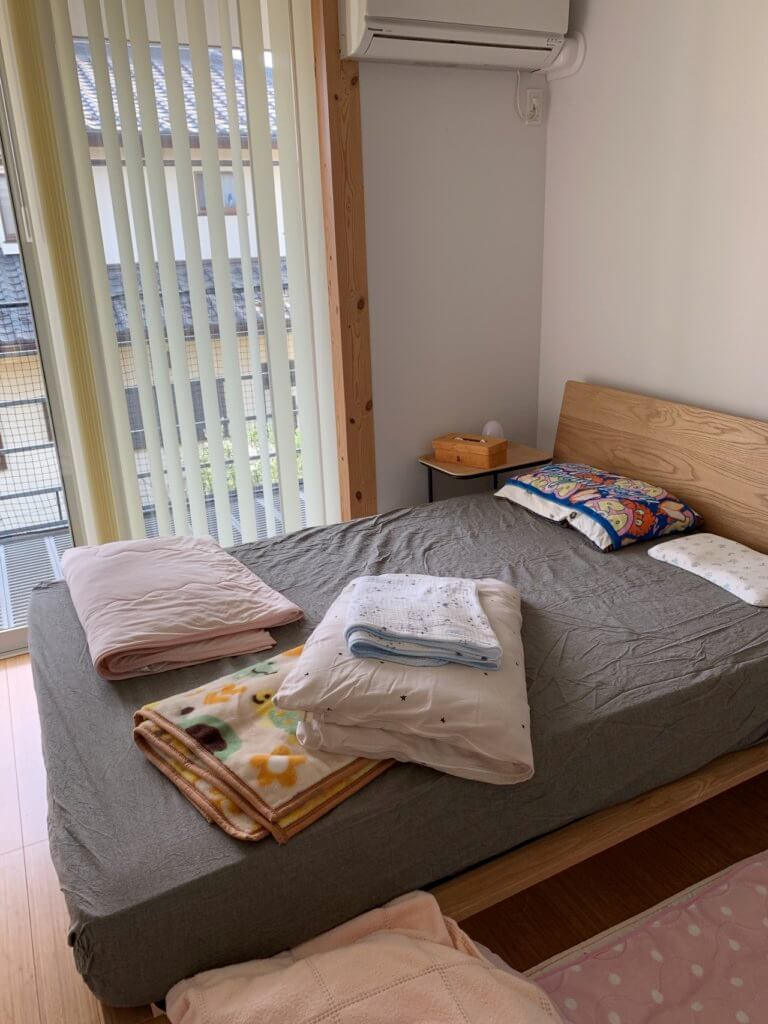 無印良品のオーク材のダブルのベッド