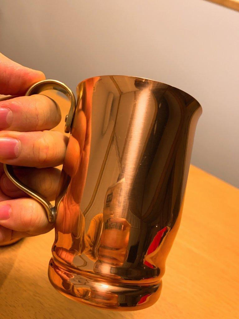 和田助の銅マグカップの表面