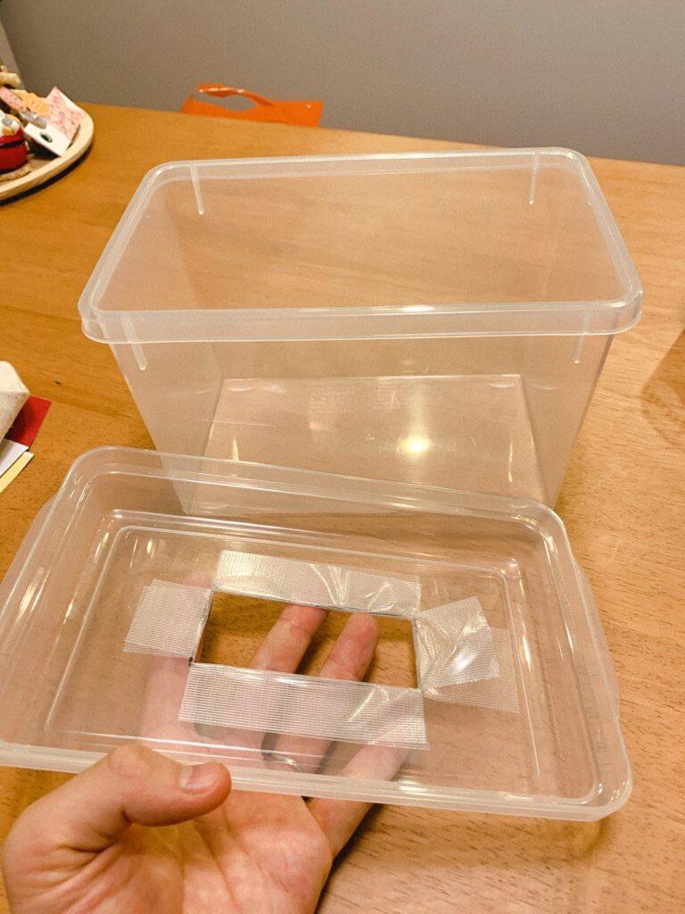 ティッシュの代わりの布を入れるボックスのフタ