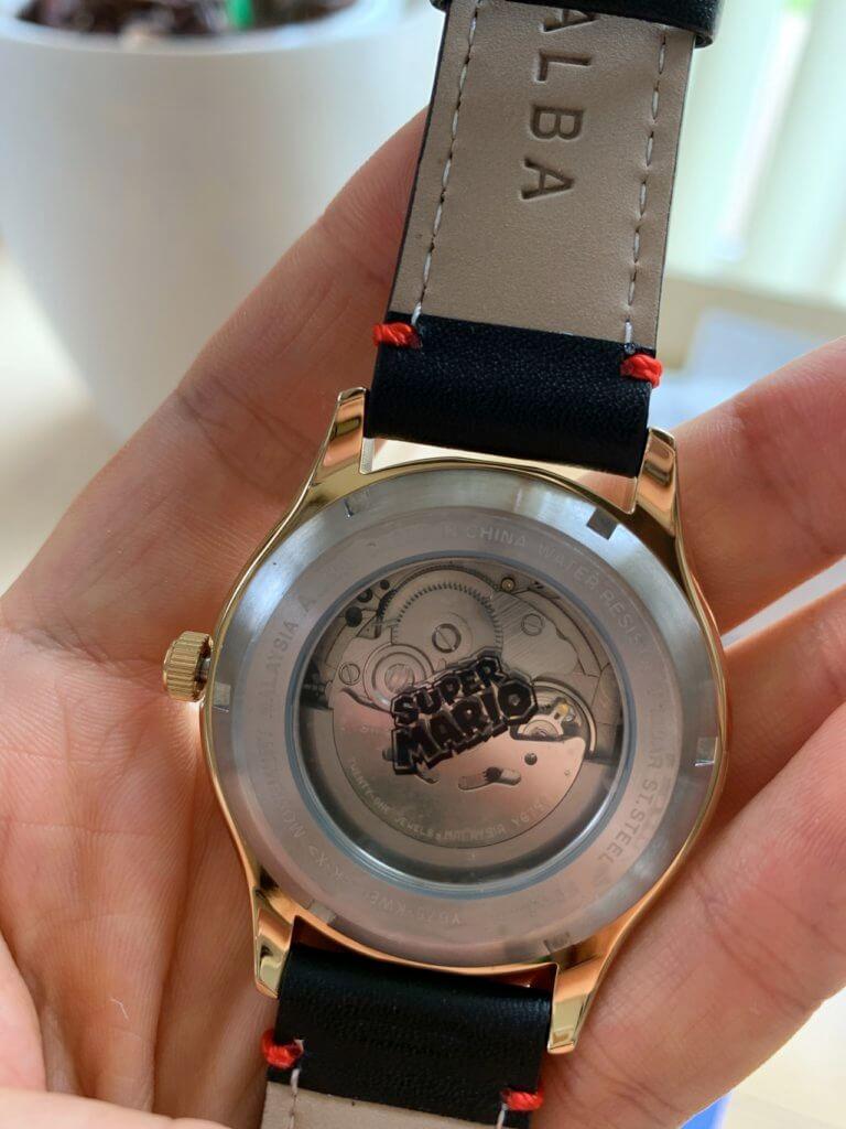 ALBAのマリオの時計の裏面(自動巻き)