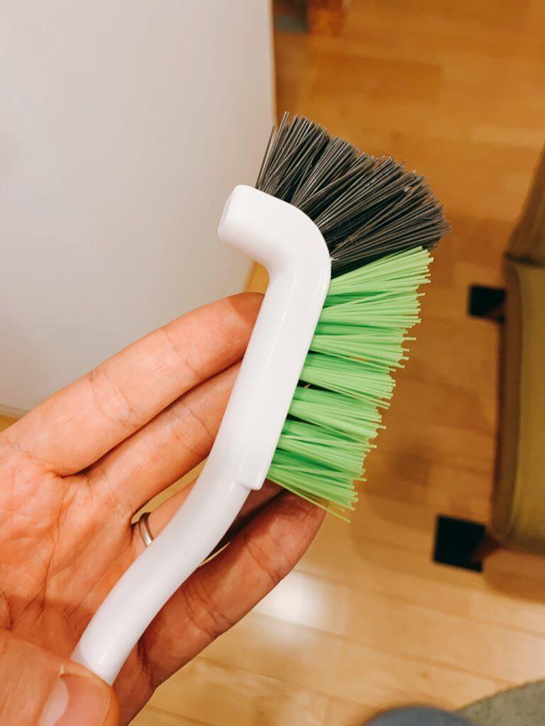 歯ブラシよりオススメな掃除用ブラシの本体のブラシ部分