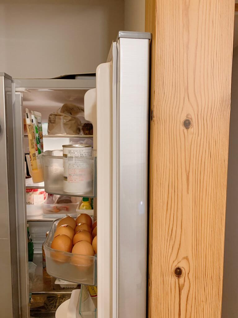 冷蔵庫の扉が全開にならない