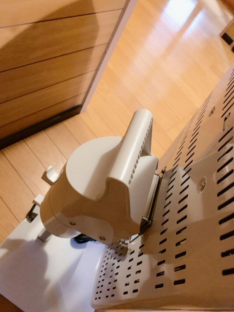 コロナ_コアヒート_遠赤外線電気ストーブの取っ手部分