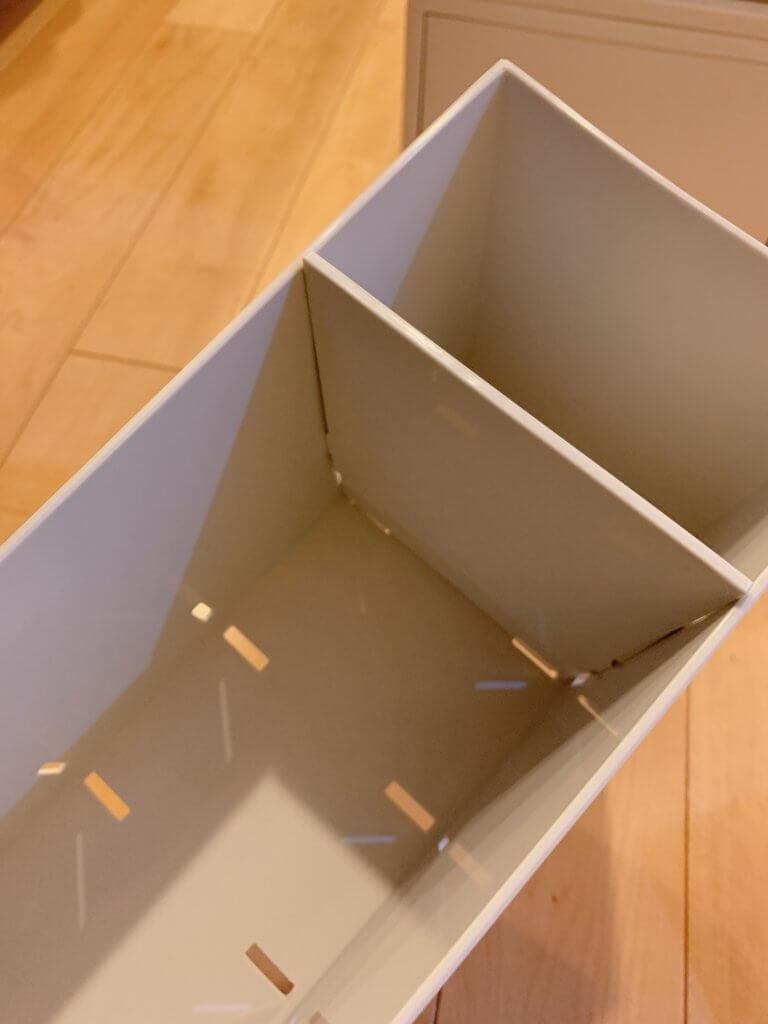 洗面台下用の無印良品の収納、ホワイトの小さな引き出しの中身