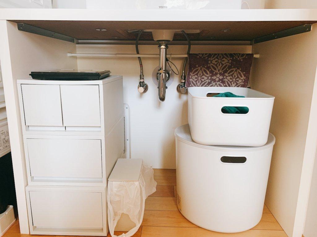 無印良品の収納を使って整理した、洗面台下の収納