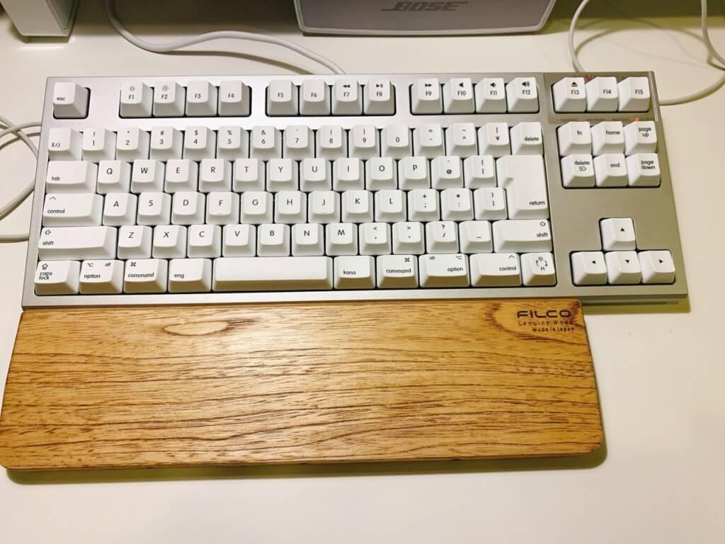 FILCO 木製キーボードリストレストとREALFORCEの図