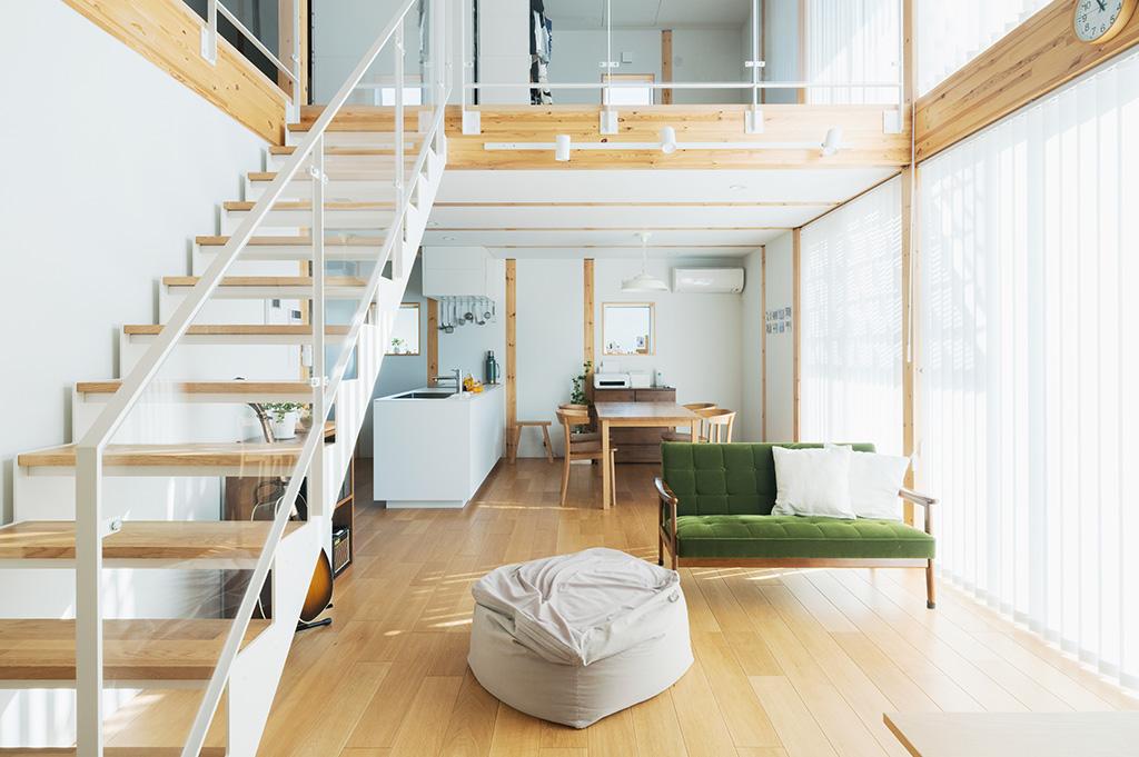 無印良品の木の家のスケルトン階段