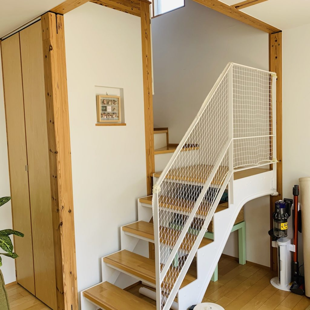 ベビーゲートが取り付けられない階段