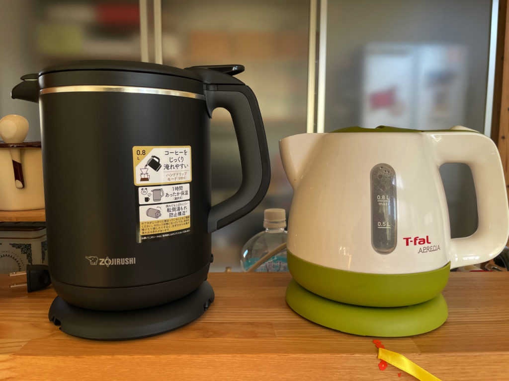 象印の電気ケトルCK-AX02とティファールの電気ケトルとの沸騰比較