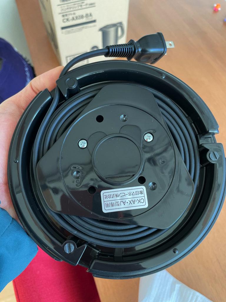 象印の電気ケトルCK-AX08の台座の裏側